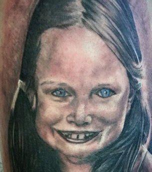 photo soit le tatouage est rat 233 soit la fille n est pas