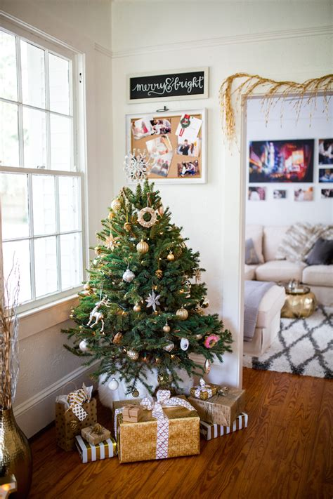 decorate with mini christmas trees learn how from the pros how to decorate your home for the holidays 183 haute off the
