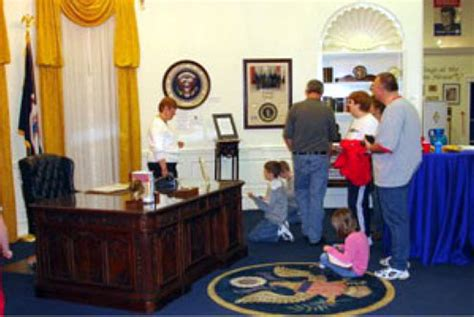oval office tour a full size oval office replica presidential experience