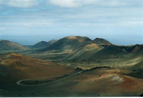 lanzarote turisti per caso parco nazionale di timanfaya viaggi vacanze e turismo