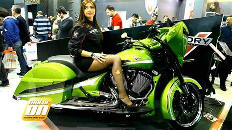 eurasia motosiklet fuari mankenleri youtube