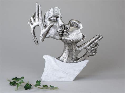 dekoration skulpturen exklusive deko b 252 ste skulptur liebespaar aus keramik wei 223