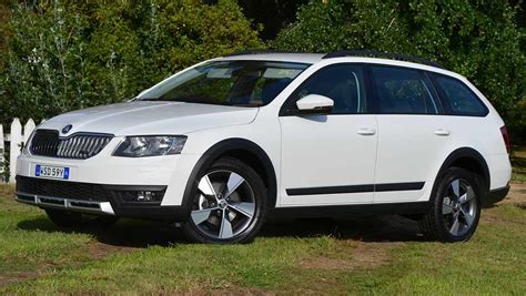 Koda Octavia Scout by 2015 Skoda Octavia Scout Review Drive Carsguide