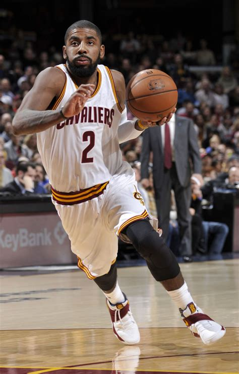 Kyrie Irving 2 solewatch kyrie irving returns to the cavs in a nike