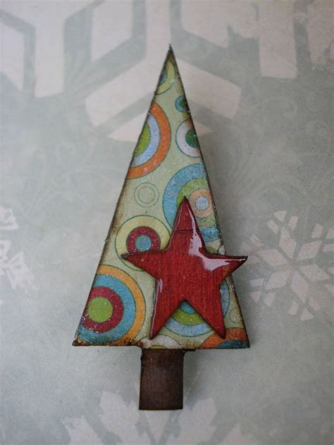 funky christmas tree brooch retro circles red star