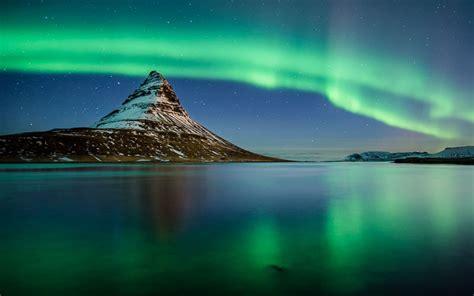 coast lights photography holidays iceland s northern lights