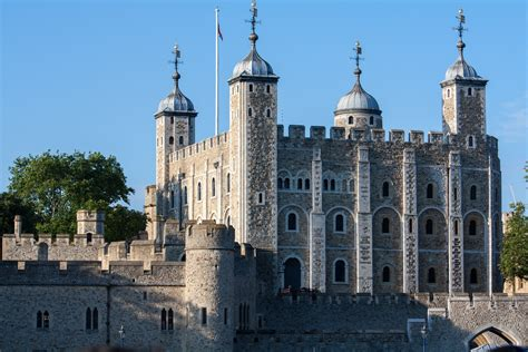 top 7 fun facts about london s houses of parliament top 7 best tourist attractions in london london expats guide
