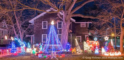 carthage mo christmas lights the horus baker house 205 w macon st has christmas trees