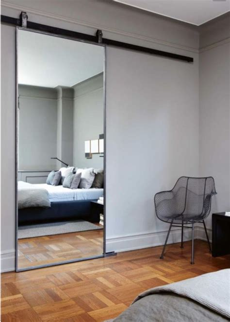 miroir dans la chambre quel miroir dans une chambre d adulte contemporaine