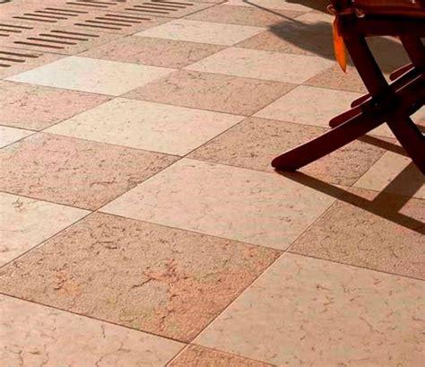 pavimenti a scacchiera esterno in pietra di prun rosa bocciardata arch pietre