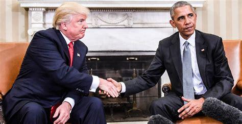 trump desk vs obama desk a tale of two desks these photos of obama vs trump s