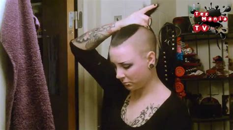 is there other ways of cutting a womens hair around the ears different ways to style mohawk cut hair requested youtube