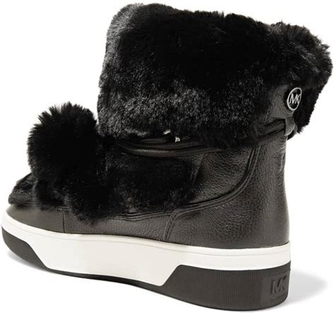 Mickael Kors Narla navigate snowy winter weather with ease in michael kors