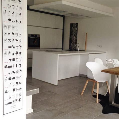 weiße bodenfliesen küche deckenverkleidung wohnzimmer