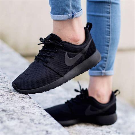 Nike One Black Black nike roshe one black black black