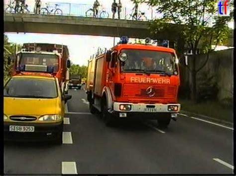 feuerwehr stuttgart: responding units / alarmfahrt sw 2000