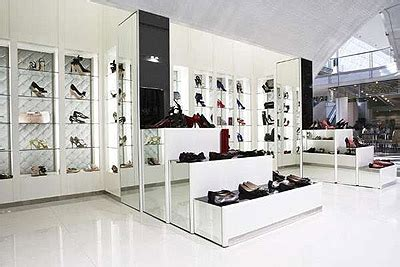 shoe store garden in melbourne commercial interior