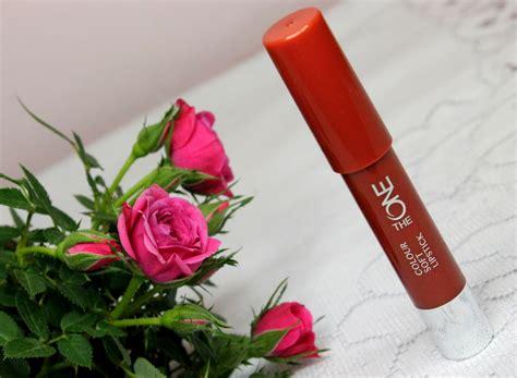 The One Colour Soft Lipstick Cranberry redakcyjne testowanie pomadki oriflame