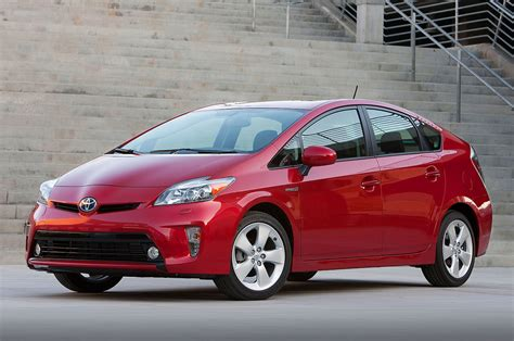 toyota prius 2014 toyota prius reviews and rating motor trend