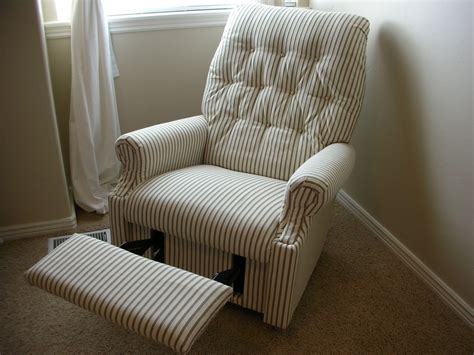 Recover A Chair by Do It Yourself Divas Diy Reupholster An La Z Boy