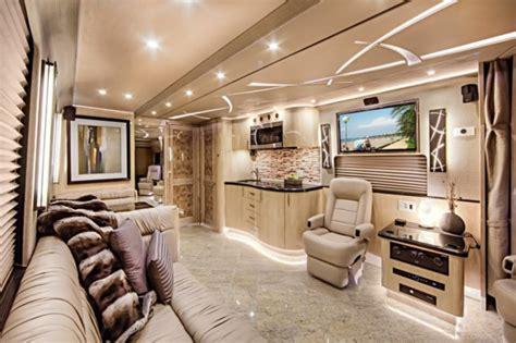wohnmobil einrichten 100 fantastische wohnmobile luxus auf r 228 dern archzine net