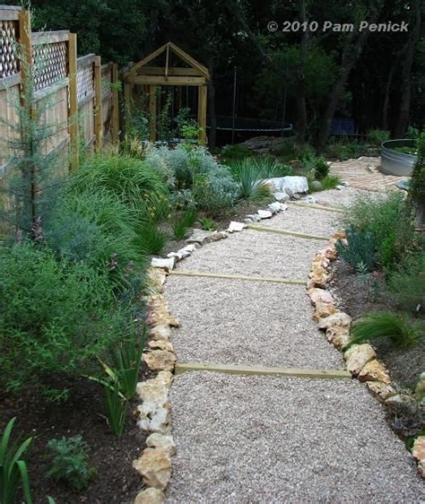 Gravel Walkway Easy Gravel Path On A Slope Landscaping