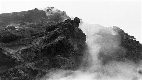 volcanoes  italy mt vesuvius  mt etna jearld