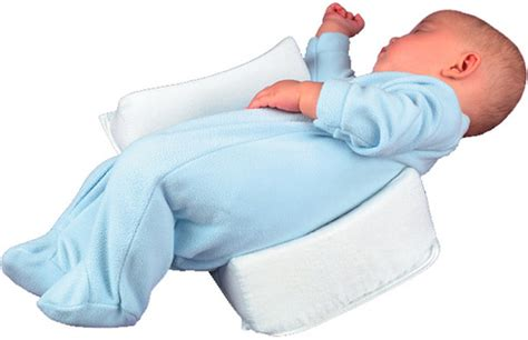 Baby Wedge Side Sleeper by 7 Advantages Of Baby Sleep Positioners
