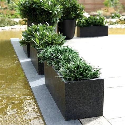 Black Garden Planters by The 25 Best Ideas About Rectangular Planters On