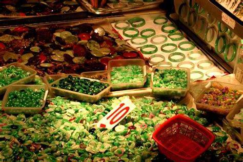 Jade Mat Hong Kong by Jade Market Great Place For Cheap Gifts And Souvenir