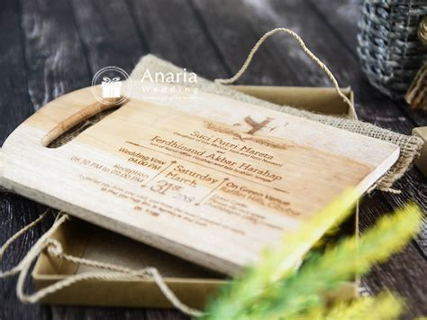Undangan Pernikahan Eksklusif undangan pernikahan eksklusif model suci ferdhinand l 0812