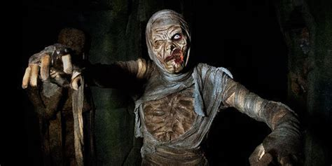 haunted house characters check out 2014 s scariest haunted houses if you dare huffpost