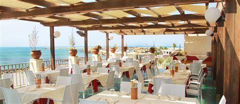 il gabbiano scoglitti vacanze in sicilia ragusa hotel sul mare al gabbiano
