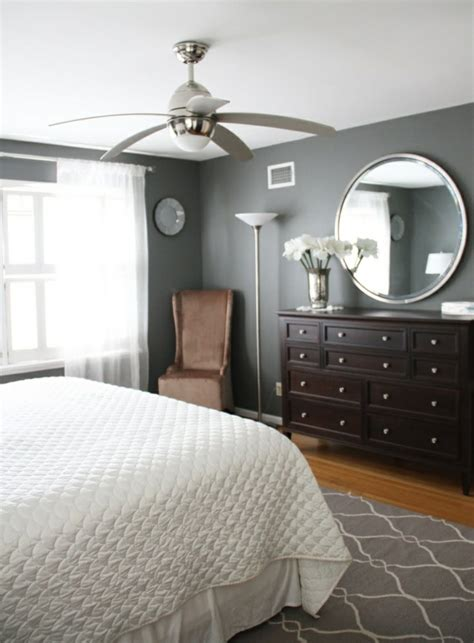 wohnideen graue wand gray walls brown furniture bedroom paint color
