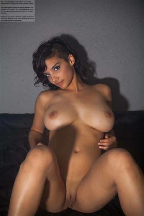Shanaya Abigail Nude Privaposts Leaked Photos Sexy Youtubers