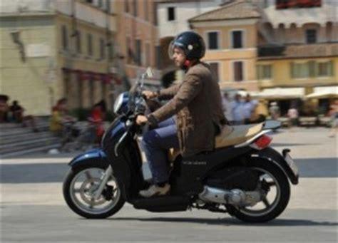 testo cronaca quotidiana scooter e moto 125 anche in tangenziale e autostrada cos 236
