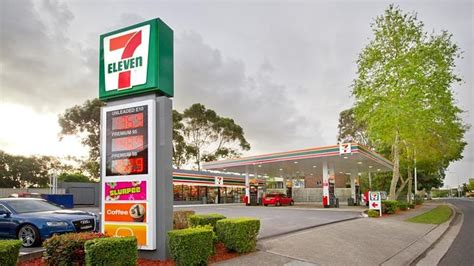 7 Eleven Amazon Gift Card - plink offer from 7 eleven spend 25 and get a 10 gift card great for free slurpee