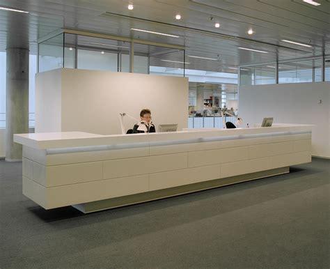 tavoli da ingresso reception desk tavoli da ingresso designoffice architonic
