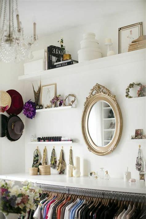ideen für badezimmer erneuerung wohnzimmer kuhfell teppich