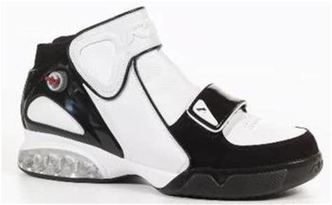 Sepatu Basket Merk Reebok The 50 Ugliest Basketball Shoes Made Bleacher Report