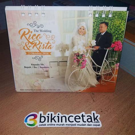 Kalender Pernikahan undangan pernikahan kalender meja duduk percetakan murah