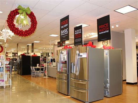 local retailers prep  holiday shoppers