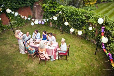 how to decorate backyard for birthday party throw an inexpensive outdoor party