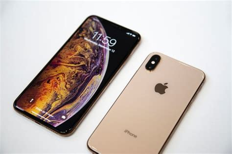 apple iphone xr rivals 512gb storage and dual 12mp cameras