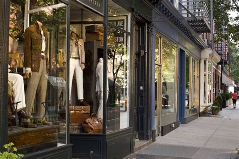 Stores For Great Discount Shopping In New York City Best Parlors In Nyc 2013
