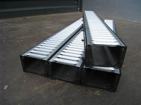 Patio Drainage Gully by Aco Drive Patio Drainage Gully Galv Grates 4mtr Ebay