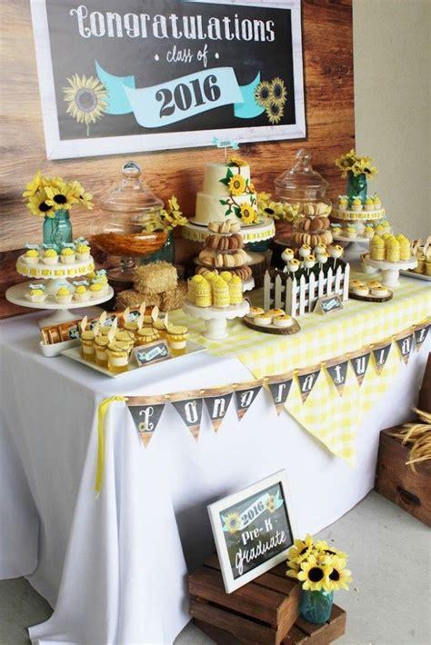Graduation Table Ideas by Best 25 Graduation Desserts Ideas On