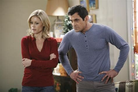 phil and claire dunphy claire and phil dunphy modern family quot happy girls are
