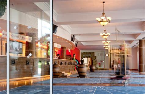 disneyland hotel front desk front desk reception at hotel explorers disneyland
