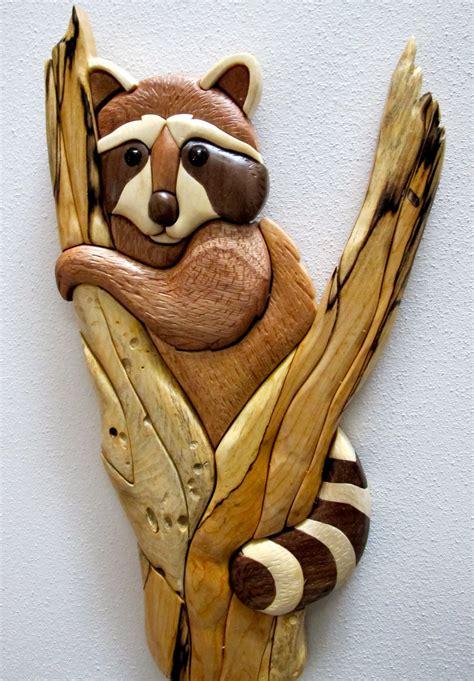 wood animal pattern intarsia raccoon in tree